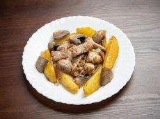 мясо с картофелем и грибами